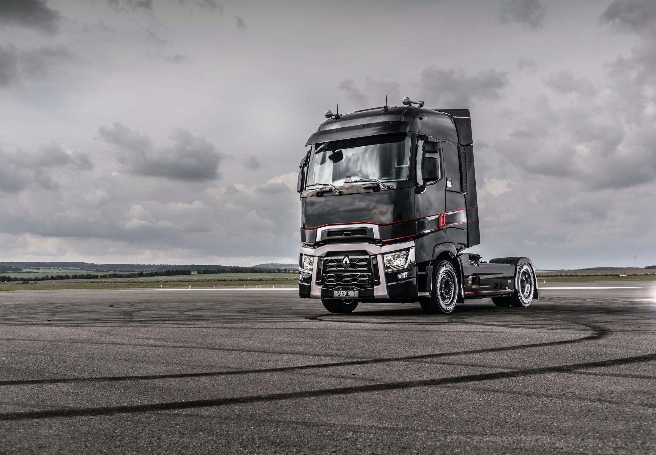renault trucks t high edition maxispace winner transportation. Black Bedroom Furniture Sets. Home Design Ideas