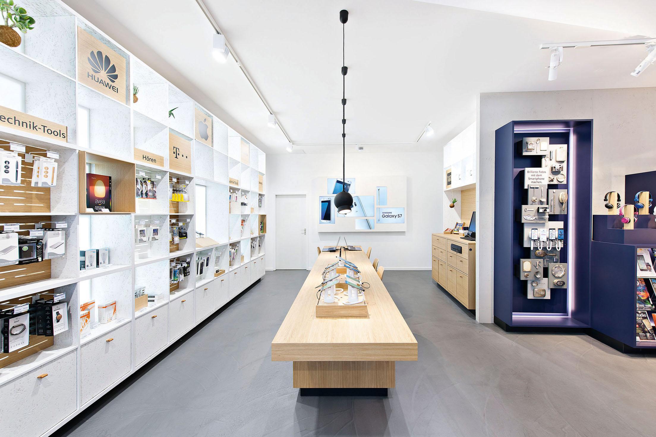 d11b0bc0680 Modulares Shop-Design-Konzept für mobilcom-debitel - Winner Retail ...